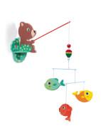 Holzmobile: Fischender Bär